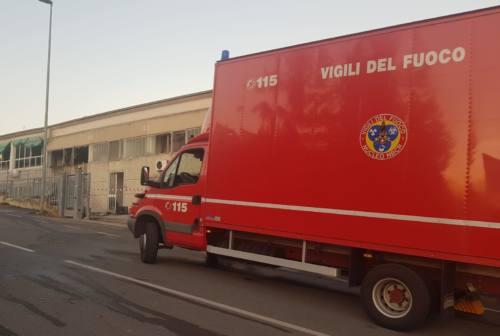 """Incendio alla """"Zoia"""" di Sirolo, stabilimento evacuato"""