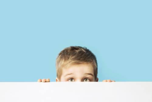 Timidezza nei bambini, cosa fare per aiutarli a socializzare?