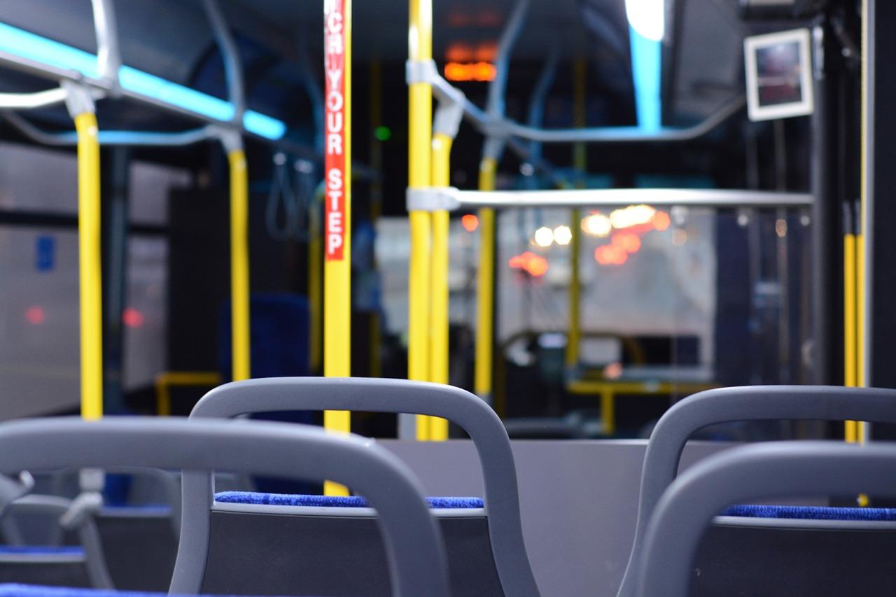 Autobus, trasporto scolastico, trasporto pubblico locale