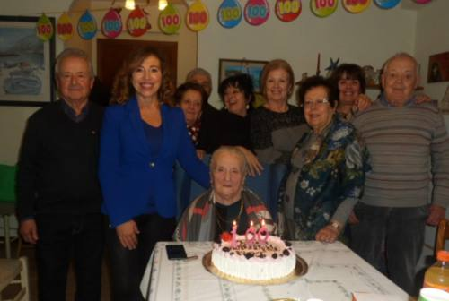 Dodici figli e 17 nipoti: ecco i 100 anni di Emma Belardinelli