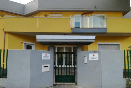 Senigallia, mamma positiva al Covid portata in ospedale: del bimbo si occupa l'operatrice Caritas ora in quarantena