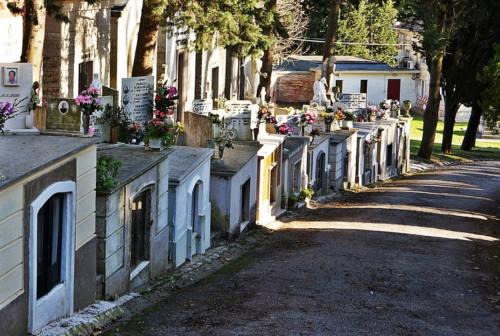 Un nuovo piano regolatore per i cimiteri, il comitato Tombe ipogee ringrazia
