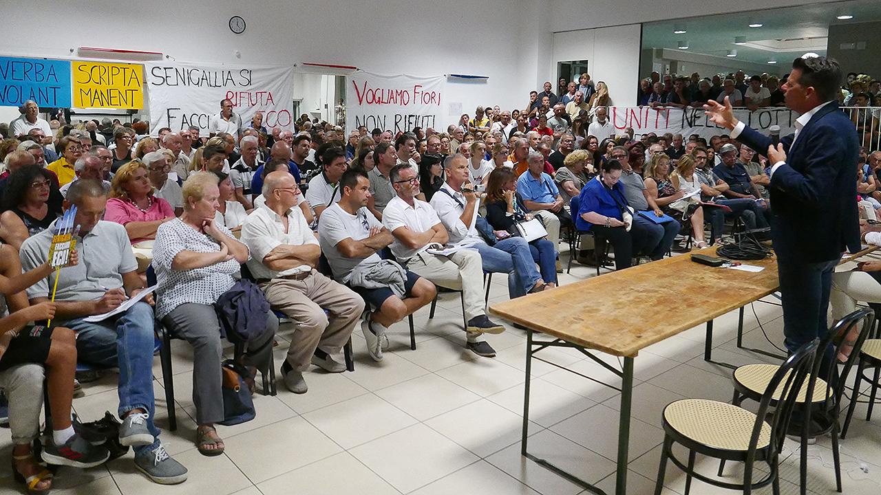 L'incontro dell'amministrazione comunale con il comitato Facciamo Eco di Senigallia sull'impianto di rifiuti al Cesano