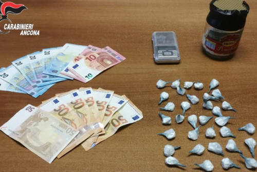 Arrestato un pusher 69enne: in casa 33 dosi di cocaina