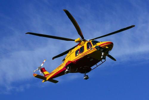 Macerata, cade da nove metri: donna soccorsa dall'eliambulanza