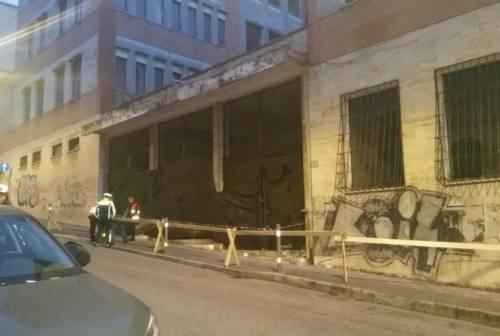 Ancona, ex Stracca pericoloso: intervengono i Vigili del Fuoco