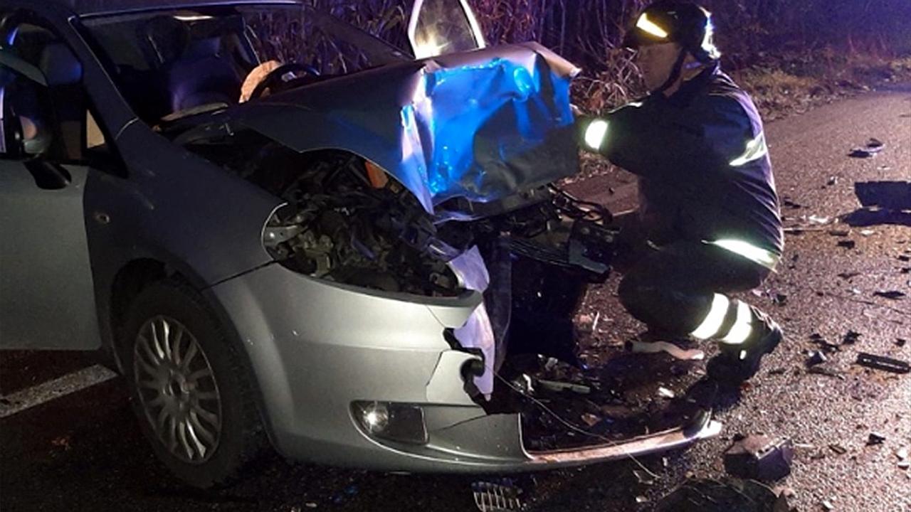 La messa in sicurezza delle auto coinvolte nell'incidente a Senigallia
