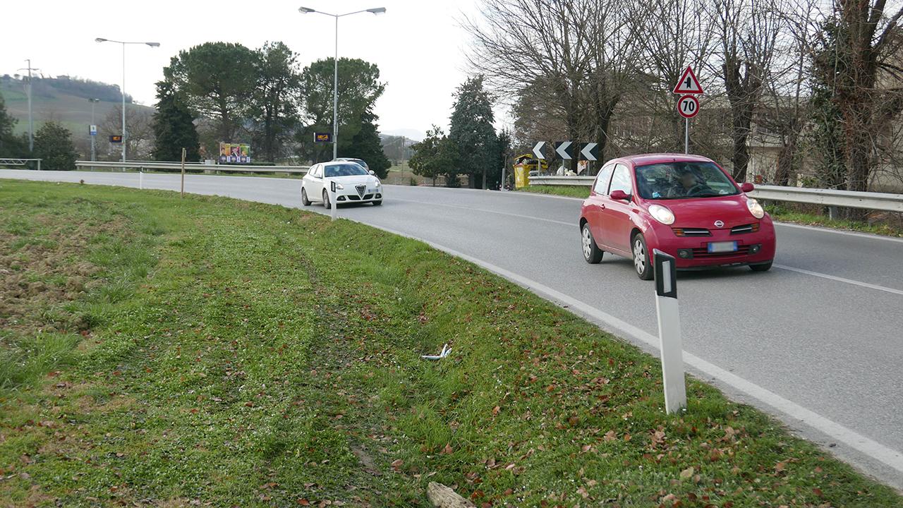La strada provinciale Arceviese davanti la discoteca Megà di Senigallia