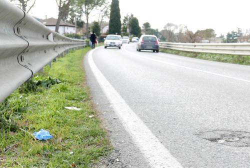 Tragedia sull'Arceviese: una strada pericolosa, tanti gli incidenti e le patenti ritirate