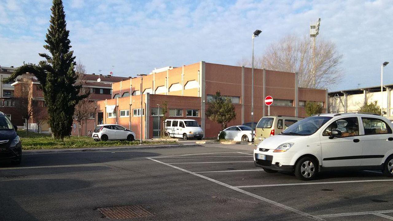 Il palazzetto di via Campo Boario a Senigallia e i parcheggi