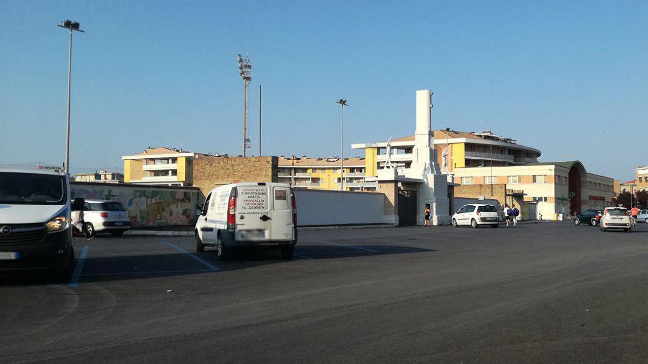 I parcheggi di via Piave, davanti lo stadio Bianchelli di Senigallia