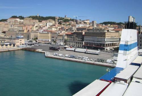Festa dei Lavoratori, sirene all'unisono al Porto di Ancona per omaggiare i marittimi