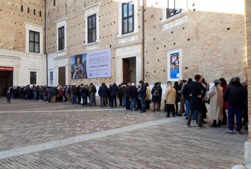 Urbino, è record di visitatori per Raffaello a Palazzo Ducale: oltre 270 mila