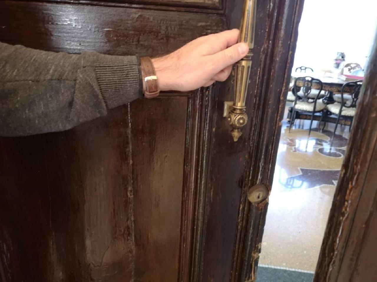 Senigallia, serratura danneggiata