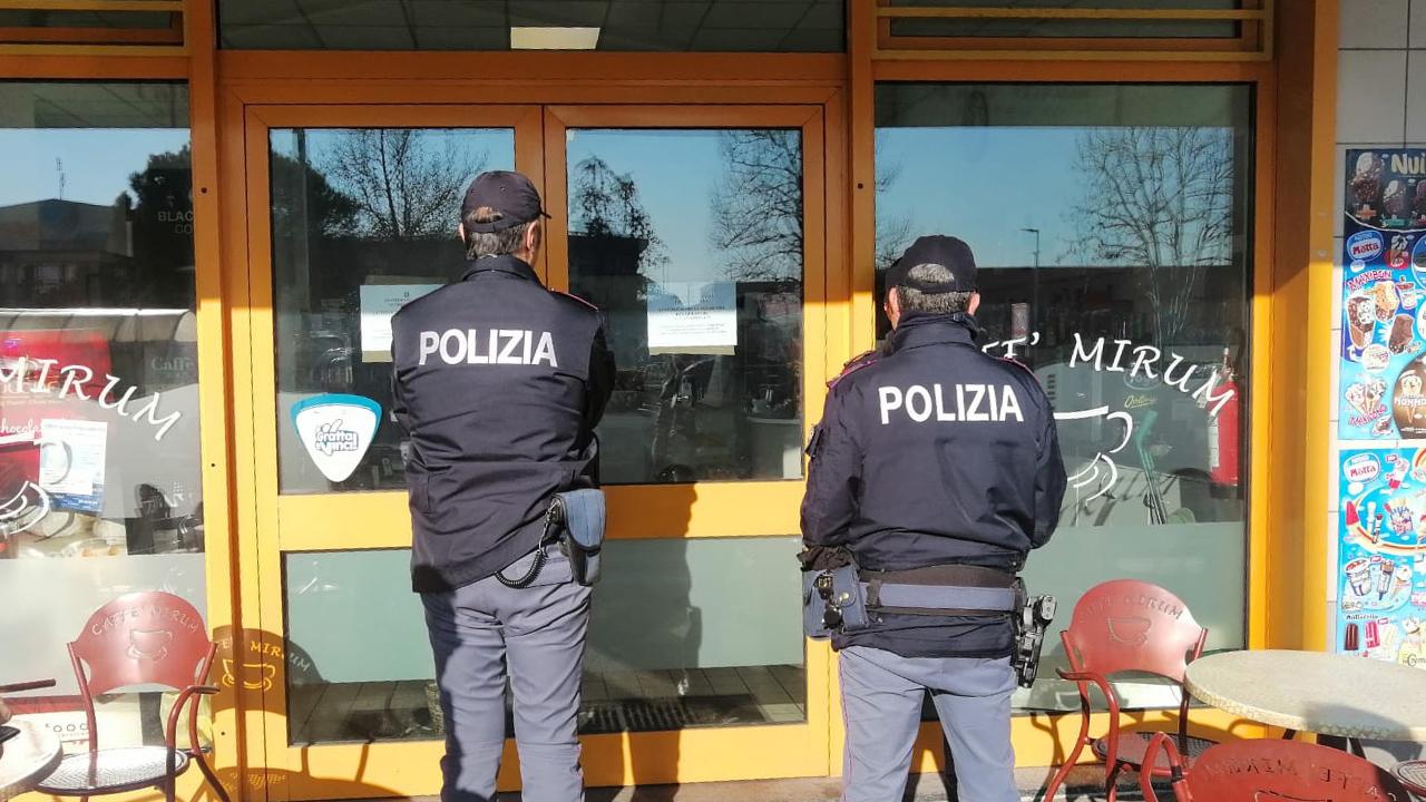 Sospesa l'attività del caffè Mirum alla Baraccola di Ancona per spaccio di droga: arrestato il titolare