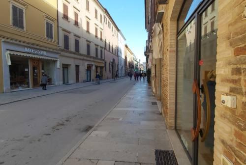 Jesi, lavori di Corso Matteotti. Il sindaco: «Tempi da concordare con ditta e commercianti»