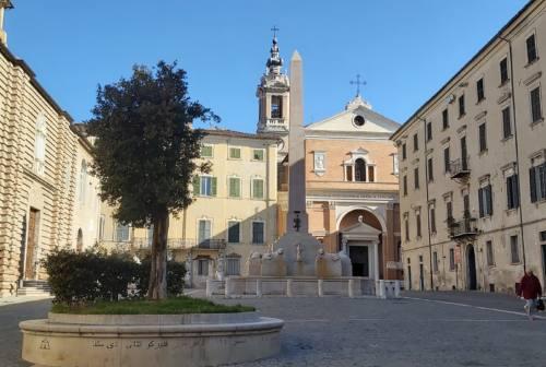 Bestiari medievali e un altro monumento all'Imperatore: le idee degli architetti per Piazza Federico II a Jesi