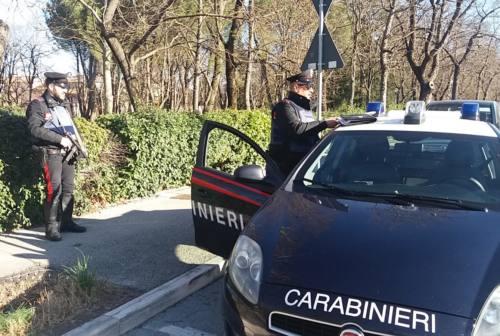 Smantellato vorticoso spaccio di droga a Fabriano: un arrestato e tre denunciati