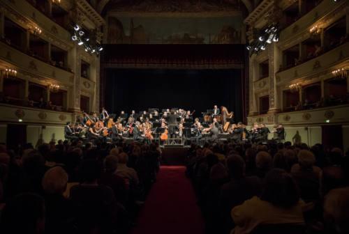 Melodie e risate nei teatri di Fabriano e Sassoferrato