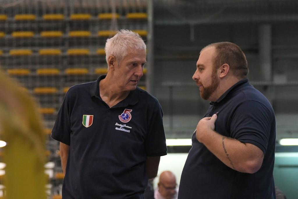 Marco Troilo a bordo campo con mister Fulvio Colini