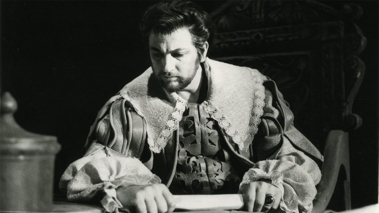 Il noto tenore Giorgio Merighi in Un ballo in maschera, Teatro alla Scala, 1972