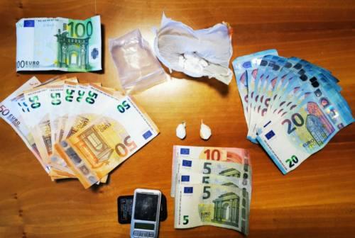 Fabriano: droga e contanti nel comodino della stanza da letto, denunciato 20enne