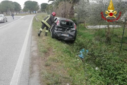 Camion contro auto in via Piandelmedico, una persona all'ospedale