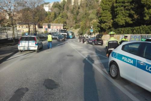 Investimento in via Colombo ad Osimo, ferita una donna