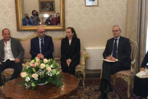 Ancona, il Ministro Lamorgese con i parenti delle vittime di Corinaldo: «Chiediamo giustizia». Poi il focus sulla sicurezza