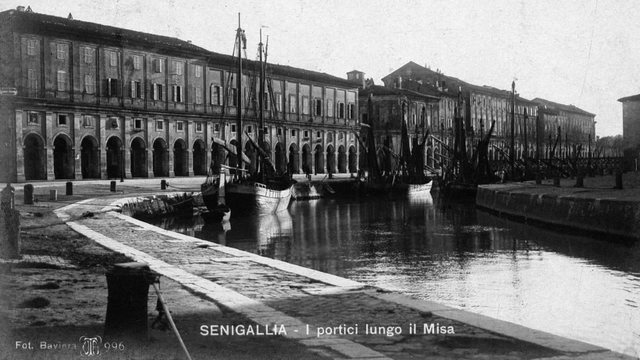 Il fiume Misa di Senigallia, ancora navigabile a inizio '900