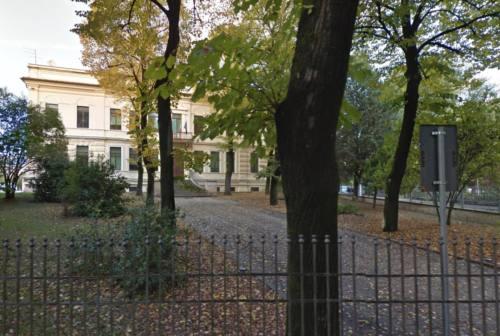 Scuola Melchiorri di Cerreto, trasferiti gli studenti di una classe: problemi al soffitto e solaio