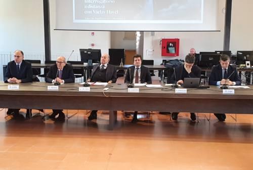 Enrico Letta e Maurizio Lupi a Fabriano: convegno su Havel e firma per sostenere la Carta Filigranata