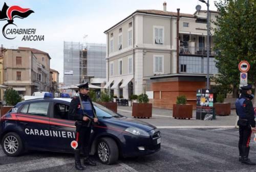 Ruba soldi e vestiti: ladro ritrovato in centro ma non poteva fare ritorno a Senigallia