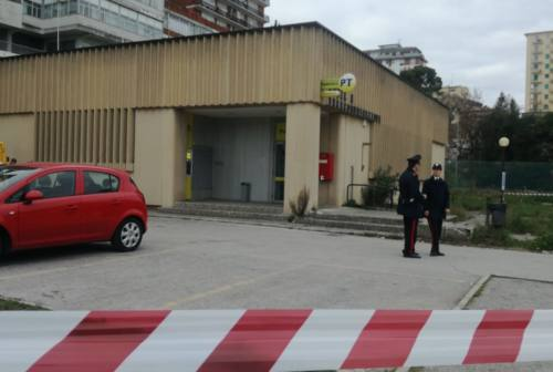 Sant'Elpidio a Mare, rapina a mano armata all'ufficio postale. Caccia alla banda