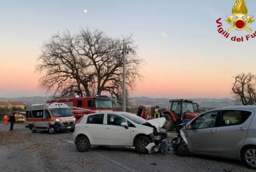 Monsano, frontale tra due auto: due donne in codice rosso all'ospedale di Torrette
