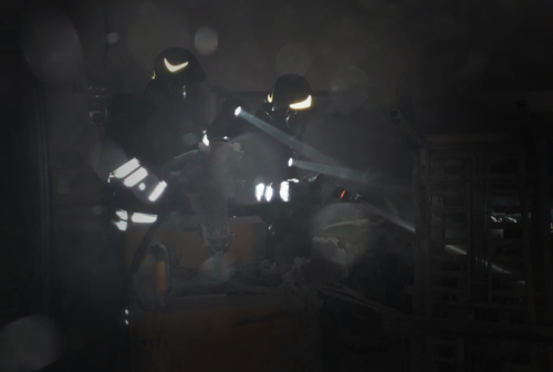 Corto circuito dal muletto: fiamme al pastificio Mosconi di Matelica