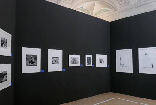 Fotografia, a Senigallia tour virtuale delle mostre su Giacomelli