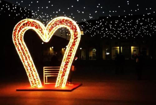 Per San Valentino Senigallia si trasforma nella città dell'amore