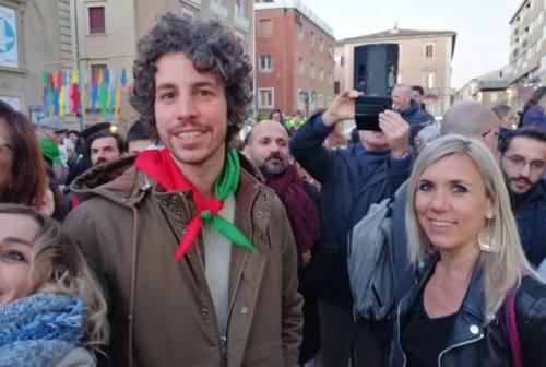 Santori e le sardine a Pesaro: «Le priorità sono sanità e ricostruzione. Un civico? Perché no»
