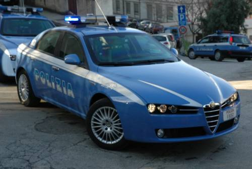 Civitanova, schiaffo alla cliente: arrestato gelataio 58enne
