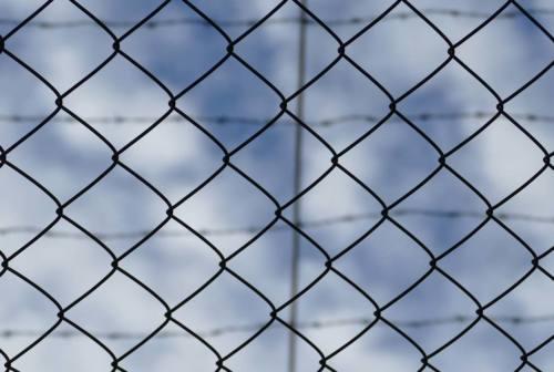 Pesaro, dopo le aggressioni in carcere parla il garante dei diritti: «Servono interventi»