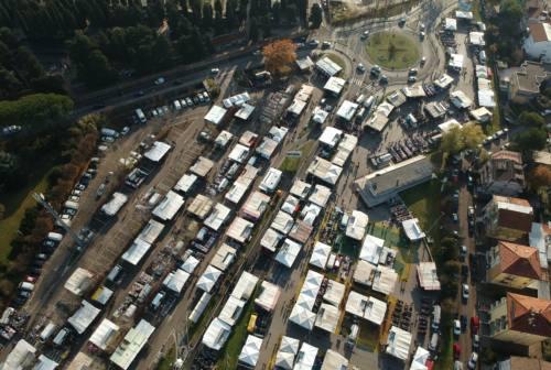 Pesaro, torna il mercato al San Decenzio: giungla di regole e ripartenza