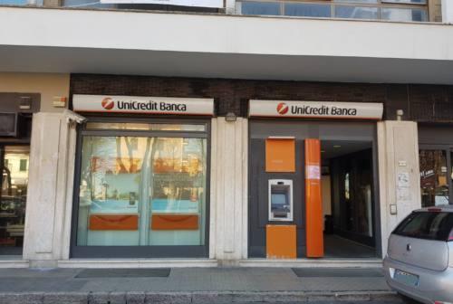 Falconara: Unicredit chiude la filiale, Signorini e Brandoni scrivono al direttore