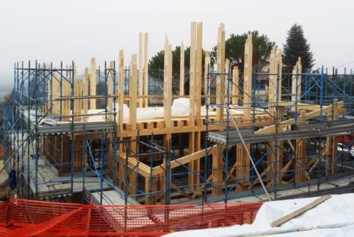 Autocostruzione familiare: perché non è possibile ricostruirsi una casa nelle zone del cratere?