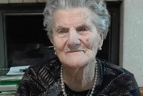 """Fabriano: l'abbraccio virtuale di tutta Marischio ai familiari della """"nonnina"""" morta a 104 anni"""