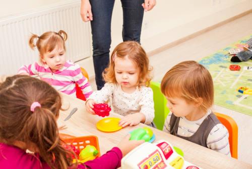 Bonus baby sitter e centri estivi, ecco come funziona e chi può fare domanda