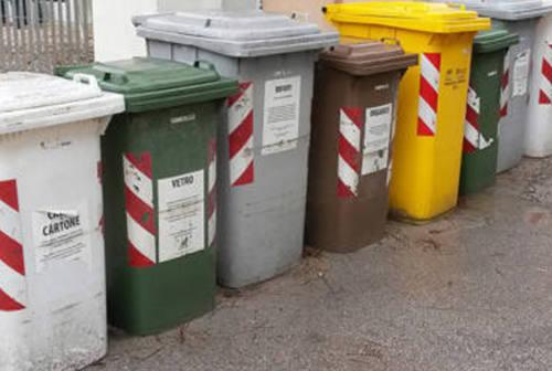 Raccolta rifiuti ai tempi del Covid-19: le nuove disposizioni, le regole per le persone contagiate