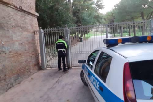 Falconara: chiusi i parchi. Al via la sanificazione delle strade