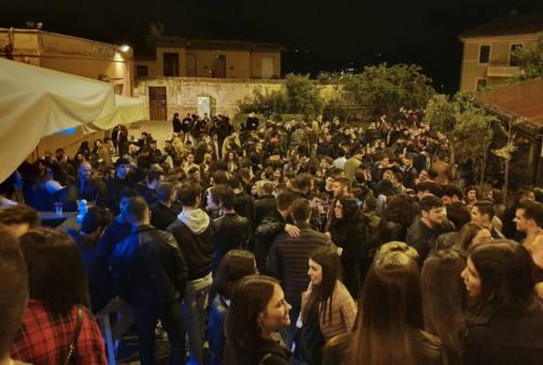 Jesi, la movida in centro storico divide la città