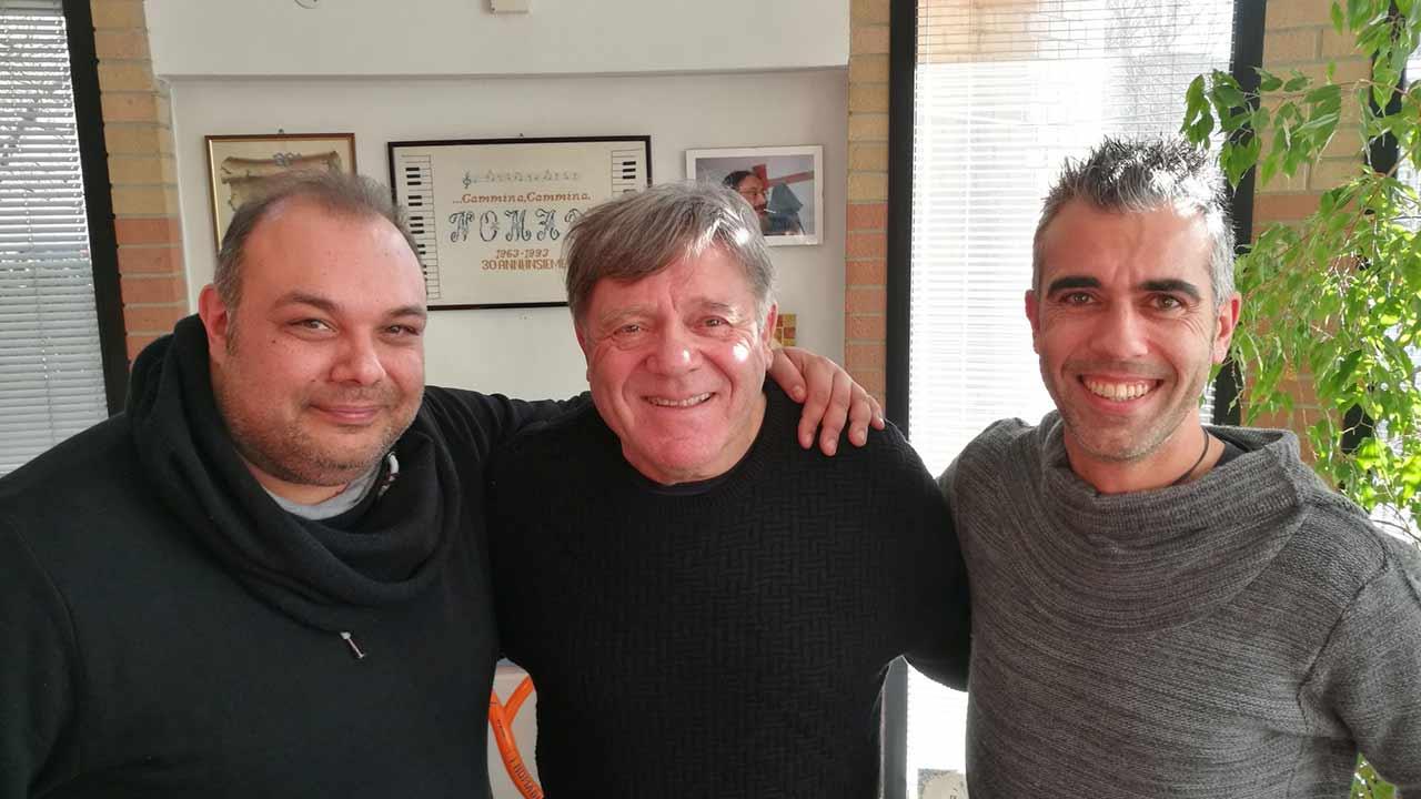 Da sinistra: Francesco Ferrandi, il leader dei Nomadi Beppe Carletti e Marco Petrucci